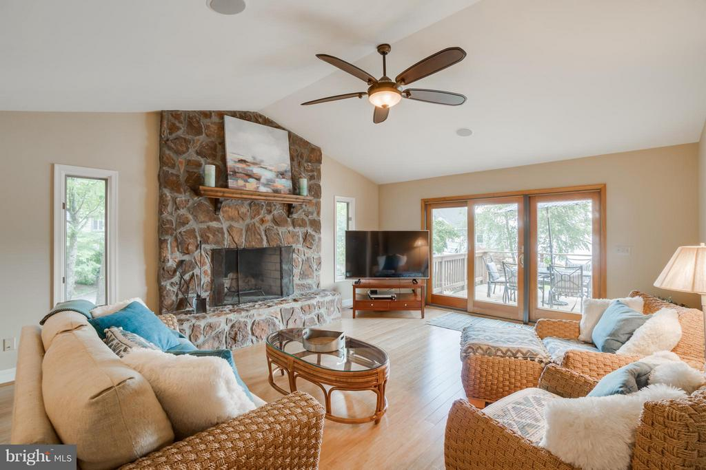 RELAX by the Fireplace and Enjoy the VIEWS!!! - 232 BEACHSIDE CV, LOCUST GROVE