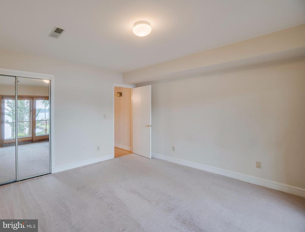 Lower Level Bedroom!!! - 232 BEACHSIDE CV, LOCUST GROVE