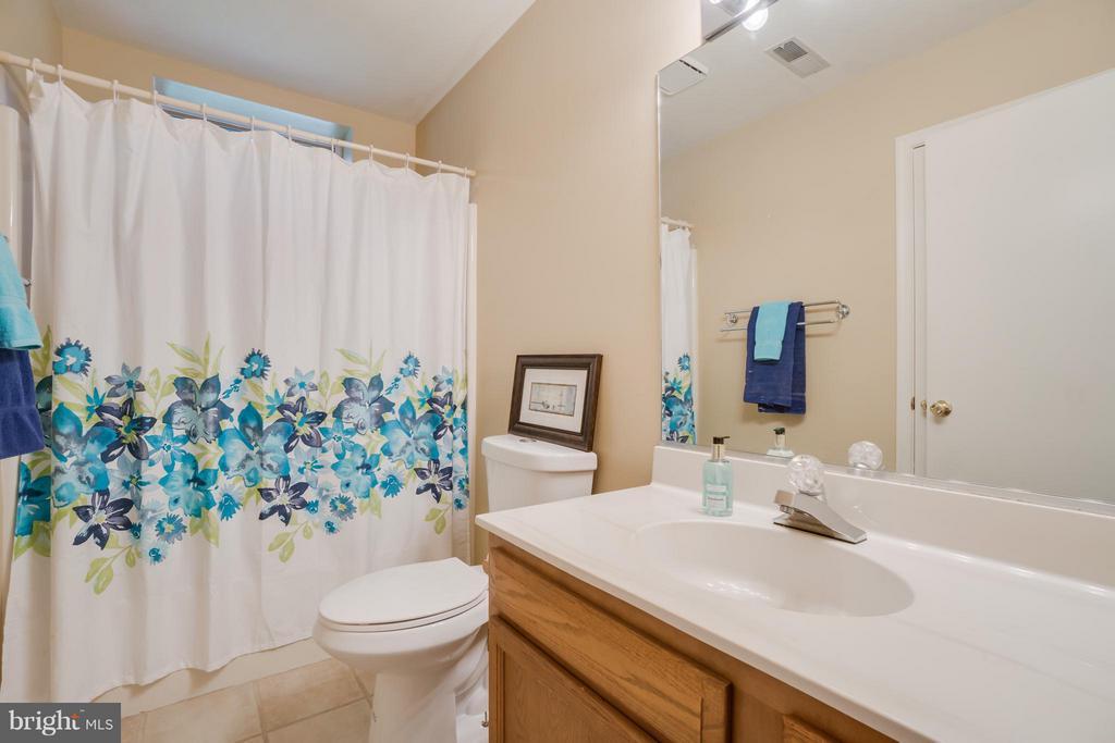 Lower Level Guest Bath!!! - 232 BEACHSIDE CV, LOCUST GROVE