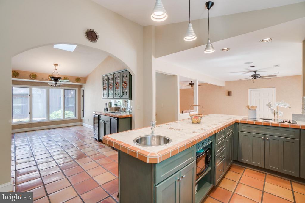 OPEN Kitchen and Dining!!! - 232 BEACHSIDE CV, LOCUST GROVE
