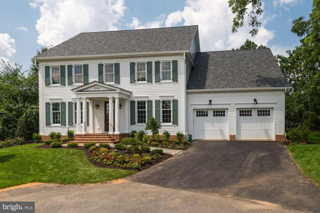 Gorgeous New Construction on 1/2 Acre Lots! - 10510 COBBS GROVE LN, FAIRFAX