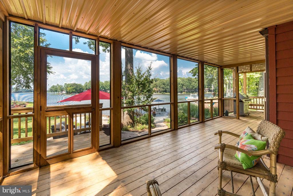 Breathtaking Views from Screened Porch!!! - 232 BEACHSIDE CV, LOCUST GROVE