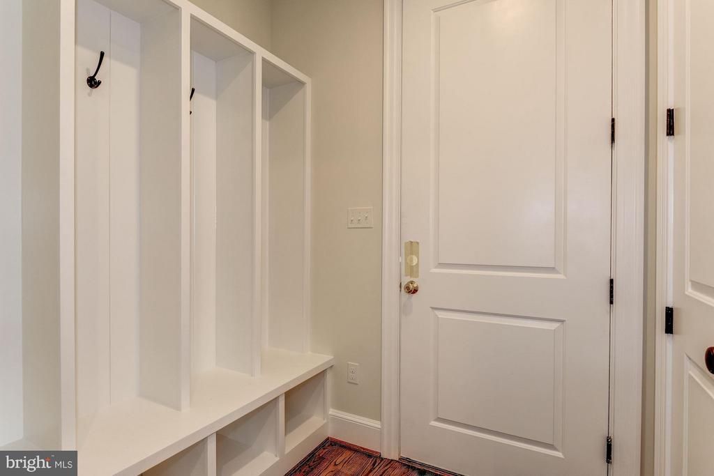 Garage Leads into Mudroom - 10510 COBBS GROVE LN, FAIRFAX