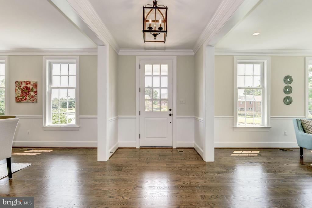 Grand Entryway - 10510 COBBS GROVE LN, FAIRFAX