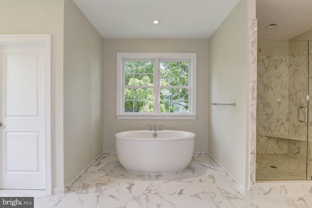 Stunning Master Bath with Stand Alone Tub - 10510 COBBS GROVE LN, FAIRFAX