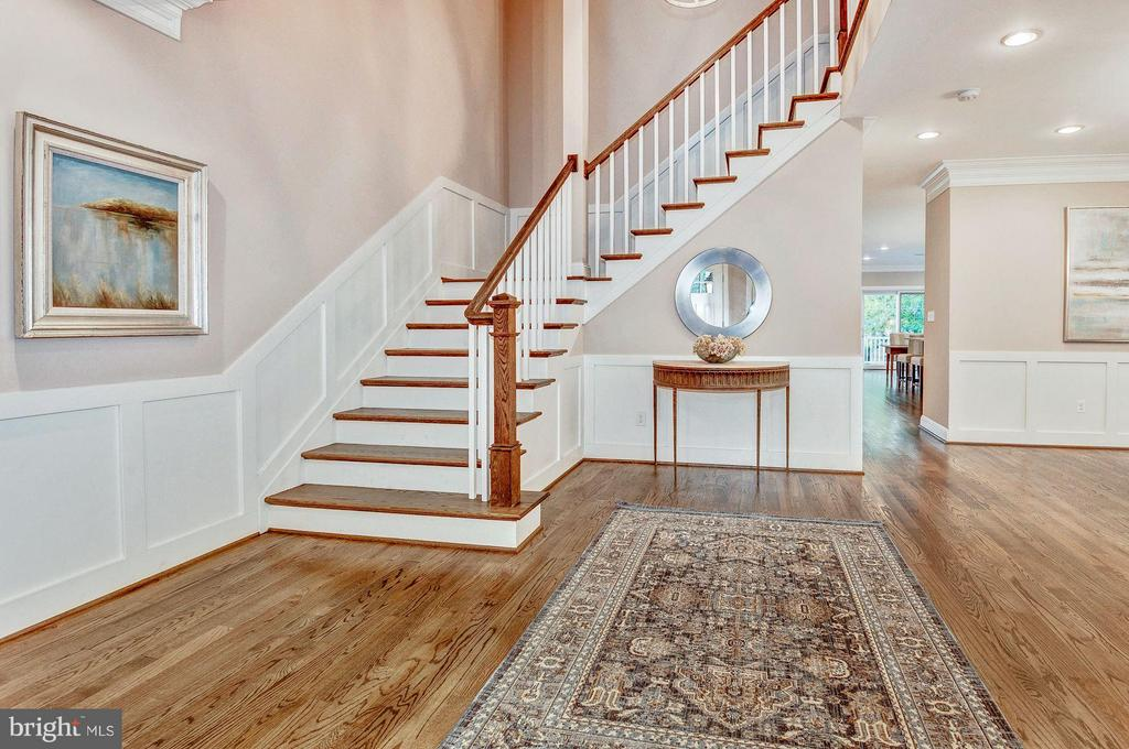 Inviting Entry with front staircase - 2509 FOWLER ST, FALLS CHURCH