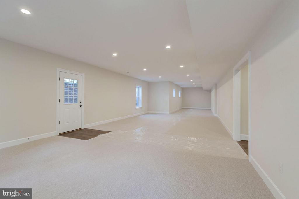 Enormous Recreation  Space - 10510 COBBS GROVE LN, FAIRFAX