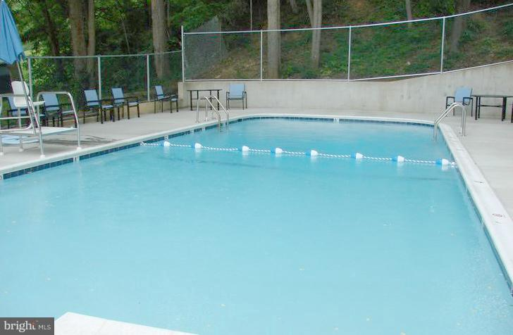 Pool During the summer - 5353 COLUMBIA PIKE #401, ARLINGTON