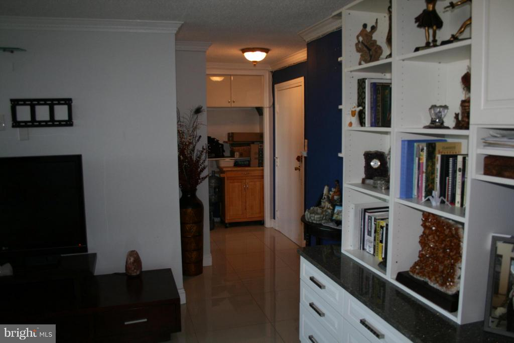 view from living room to entrance way - 5353 COLUMBIA PIKE #401, ARLINGTON