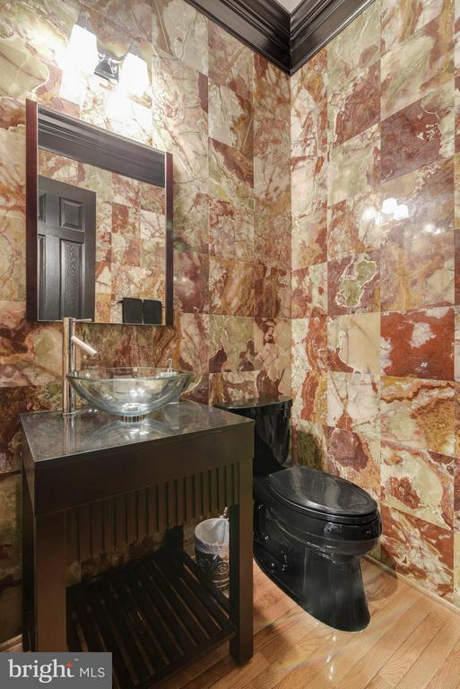 Custom marble powder room! - 27744 PADDOCK TRAIL PL, CHANTILLY