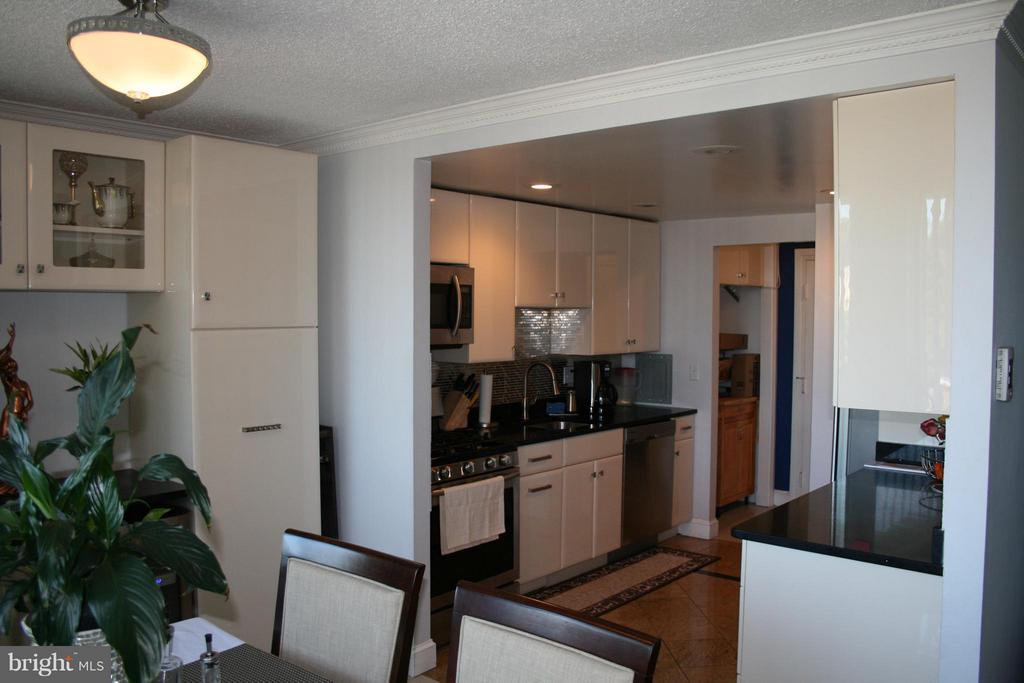 All custom cabinets - with transferable lifetime - 5353 COLUMBIA PIKE #401, ARLINGTON