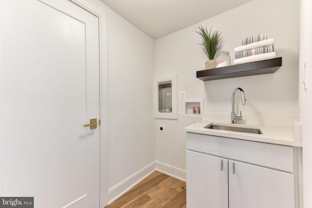 Second floor laundry room - 2829 1ST RD N, ARLINGTON