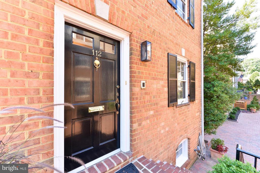Front Door - 112 CAMERON MEWS, ALEXANDRIA