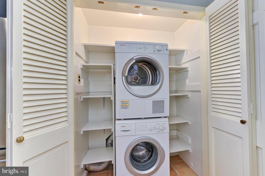 Laundry - 112 CAMERON MEWS, ALEXANDRIA