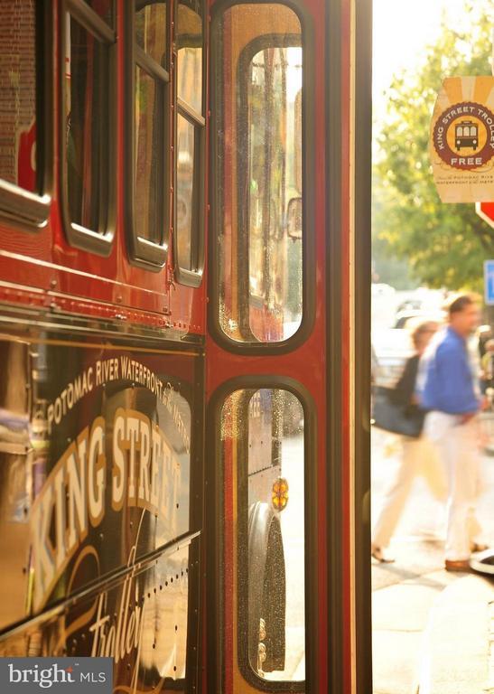 Free King Street Trolley - 112 CAMERON MEWS, ALEXANDRIA