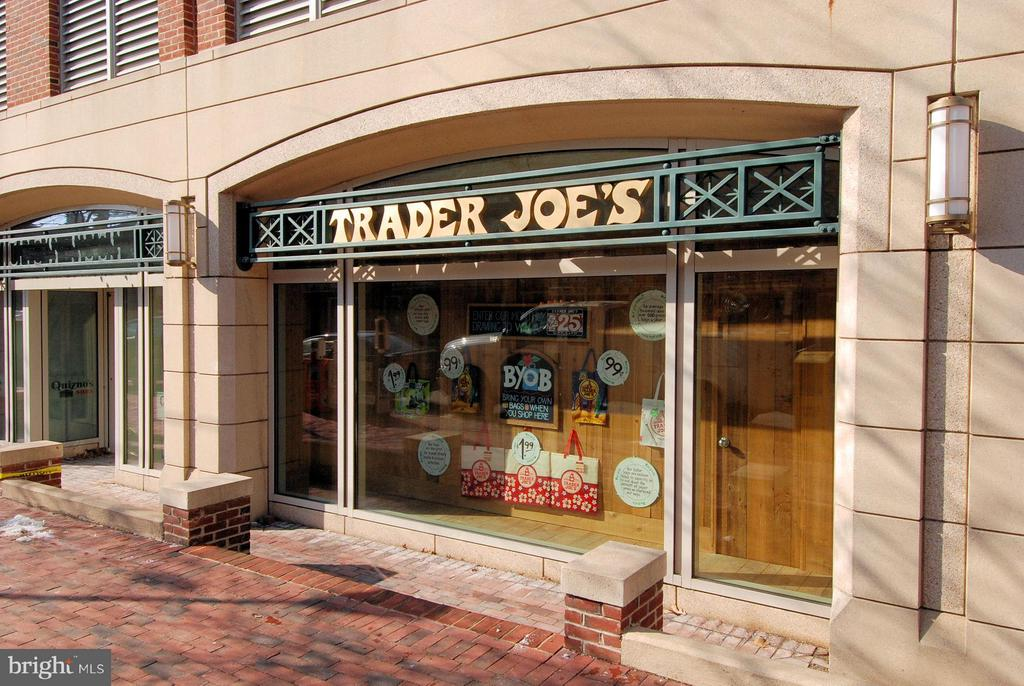 Trader Joe's - 112 CAMERON MEWS, ALEXANDRIA