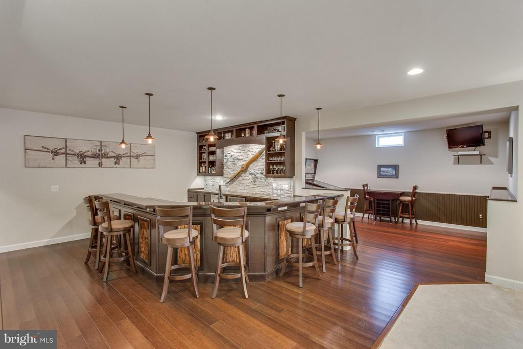 Handcrafted custom bar and game room - 9427 FERRY LANDING CT, ALEXANDRIA