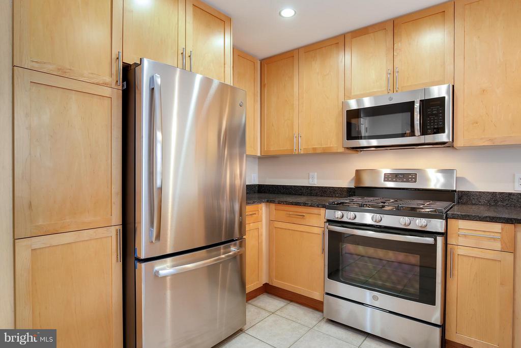 Kitchen - 820 POLLARD ST #610, ARLINGTON