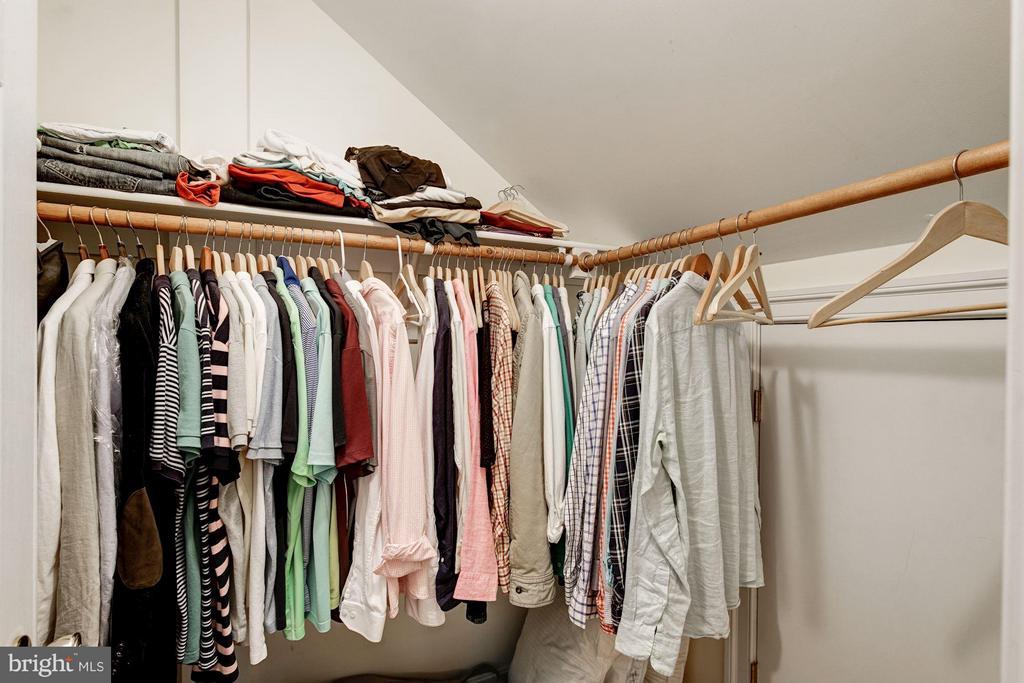 Upstairs Bedroom #5 Walk-in Closet/ extra storage - 3013 DICKERSON ST, ARLINGTON