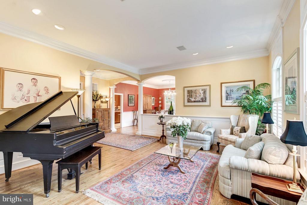Living Room - 3013 DICKERSON ST, ARLINGTON