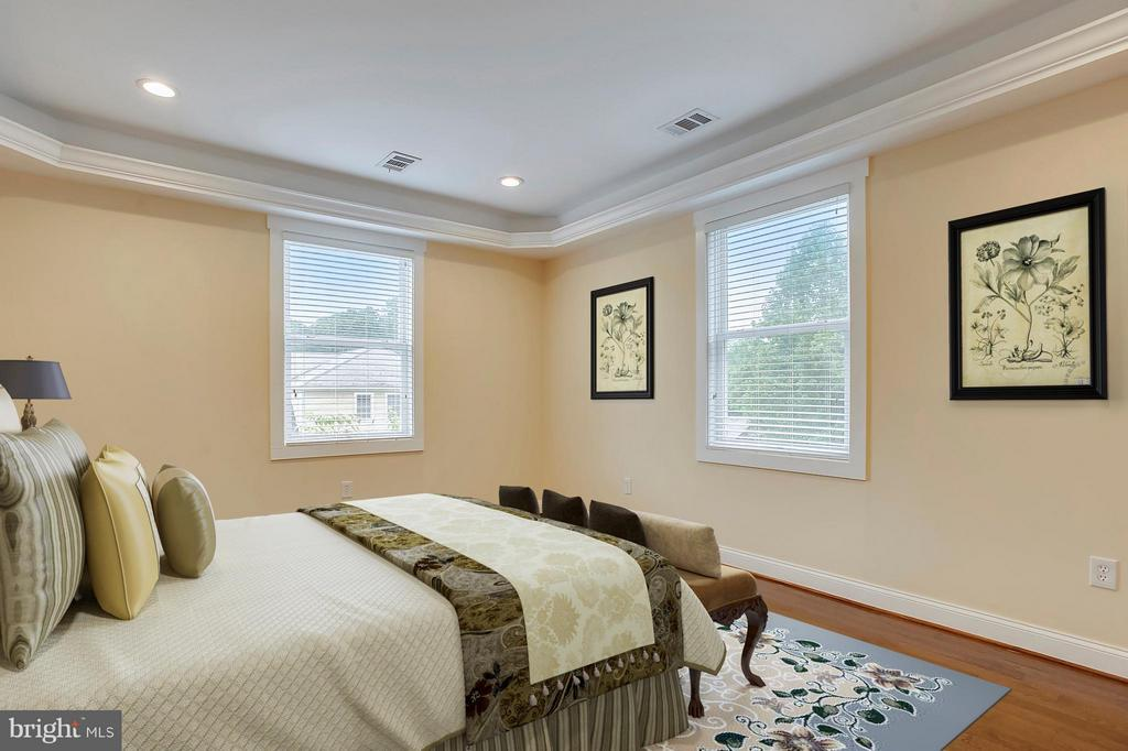 Bedroom (Master) - 7406 VALLEYCREST BLVD, ANNANDALE