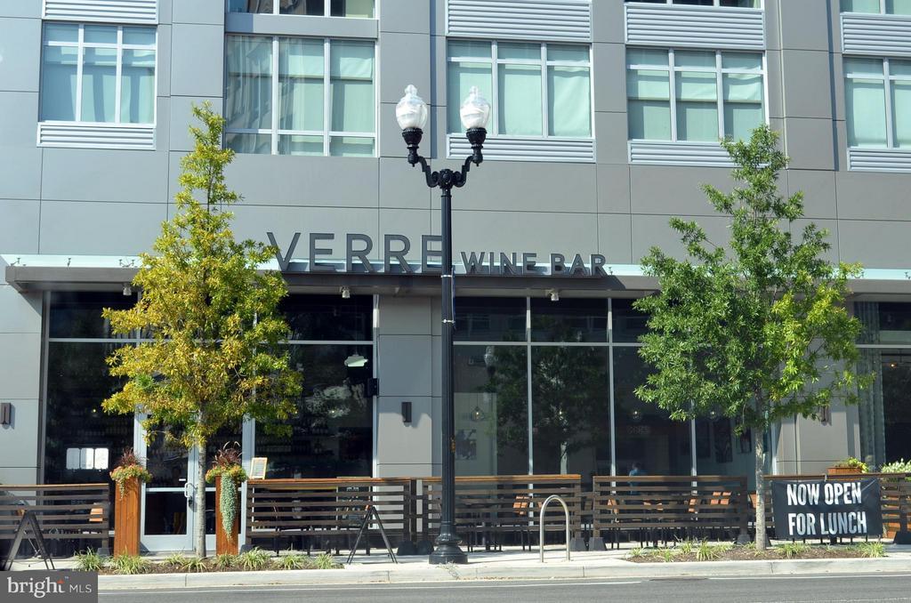 Convenient to so many restaurants - 2330 14TH ST N #201, ARLINGTON
