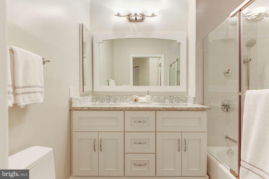 Renovated Bath with quartz and custom tile - 2330 14TH ST N #201, ARLINGTON