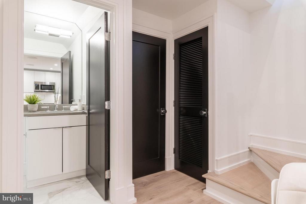 Closets includes organization system - 1524 18TH ST NW #1, WASHINGTON