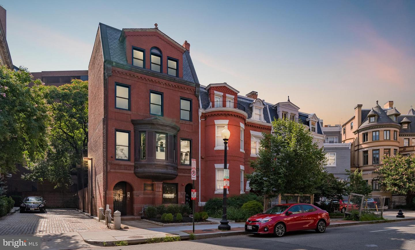 Single Family Home for Sale at 1524 18th St NW #1 1524 18th St NW #1 Washington, District Of Columbia 20036 United States