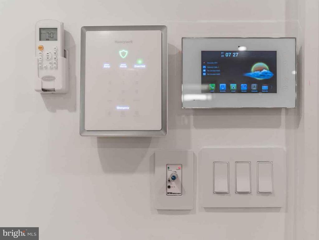 Home control, Bluetooth, Alarm, home temp - 1524 18TH ST NW #1, WASHINGTON