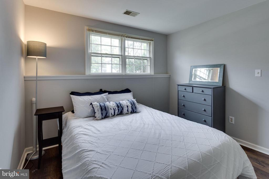 Bedroom 3 - 4253 FOX LAKE DR, FAIRFAX