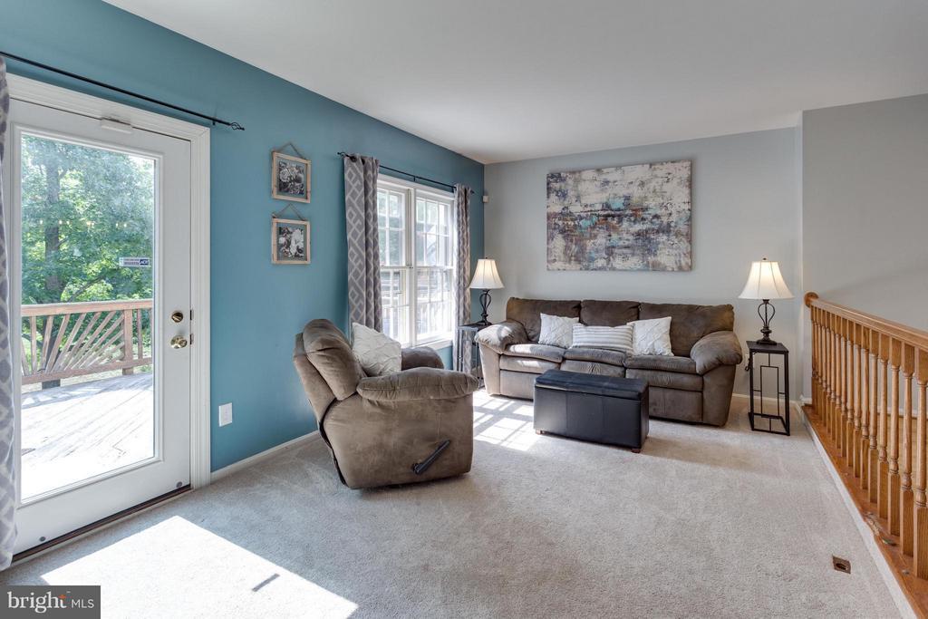 Living Room with deck access - 4253 FOX LAKE DR, FAIRFAX