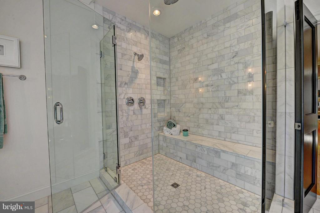 Master Shower, Frameless Glass Doors - 8621 MCHENRY ST, VIENNA