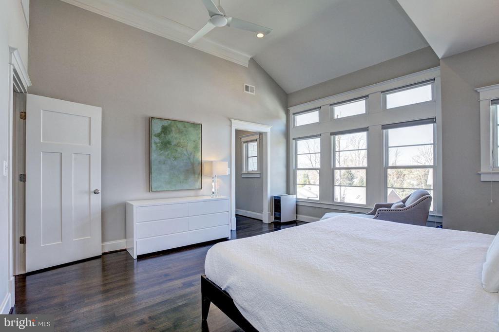 Bedroom (Master) - 4957 ROCK SPRING RD, ARLINGTON