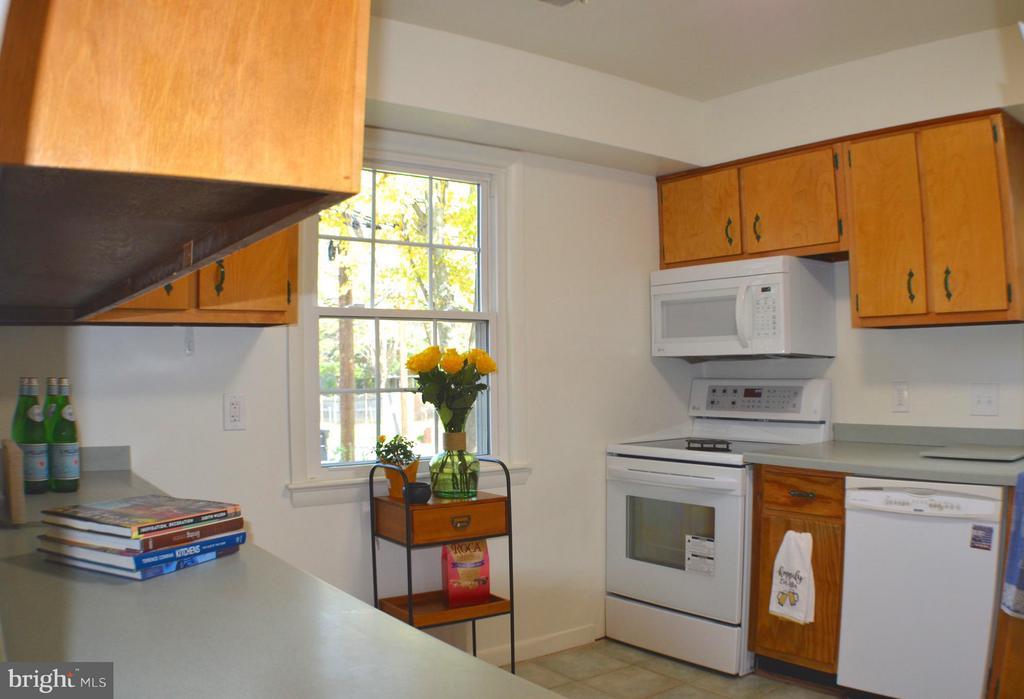 Kitchen - 3804 14TH ST N, ARLINGTON