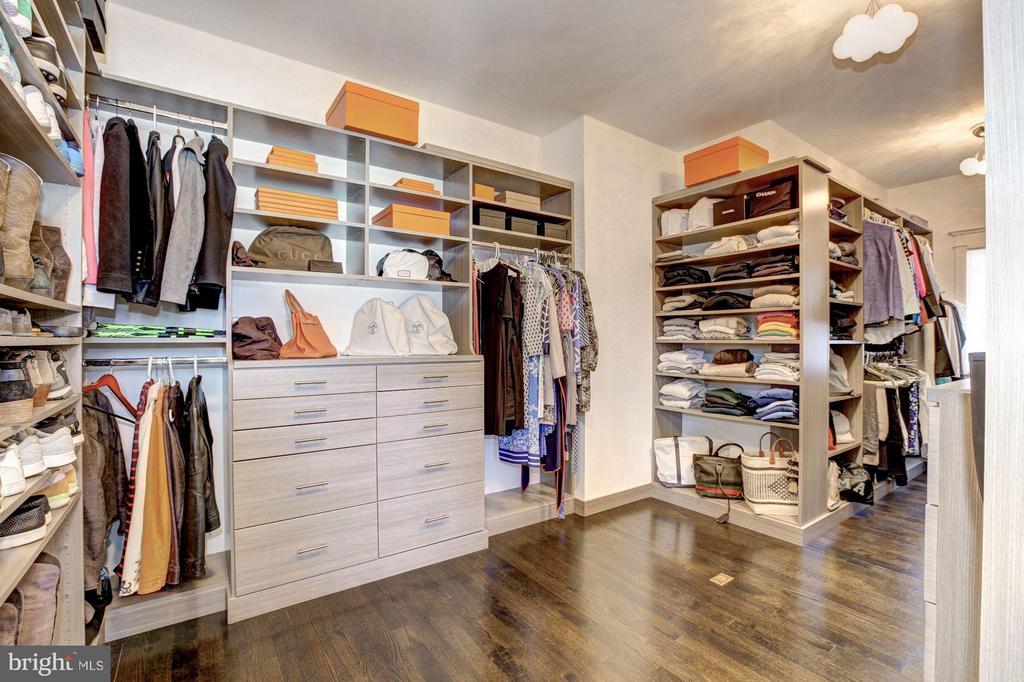 Master Bedroom Walk-in Closet - 4957 ROCK SPRING RD, ARLINGTON