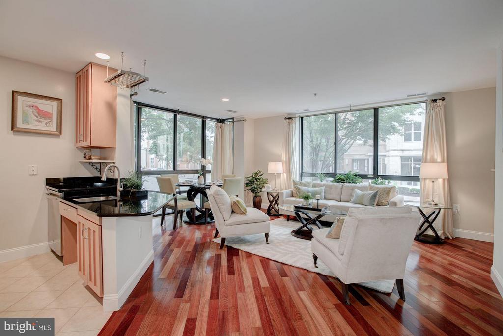 Beautiful wood floors and fresh paint throughout - 1200 HARTFORD ST N #112, ARLINGTON