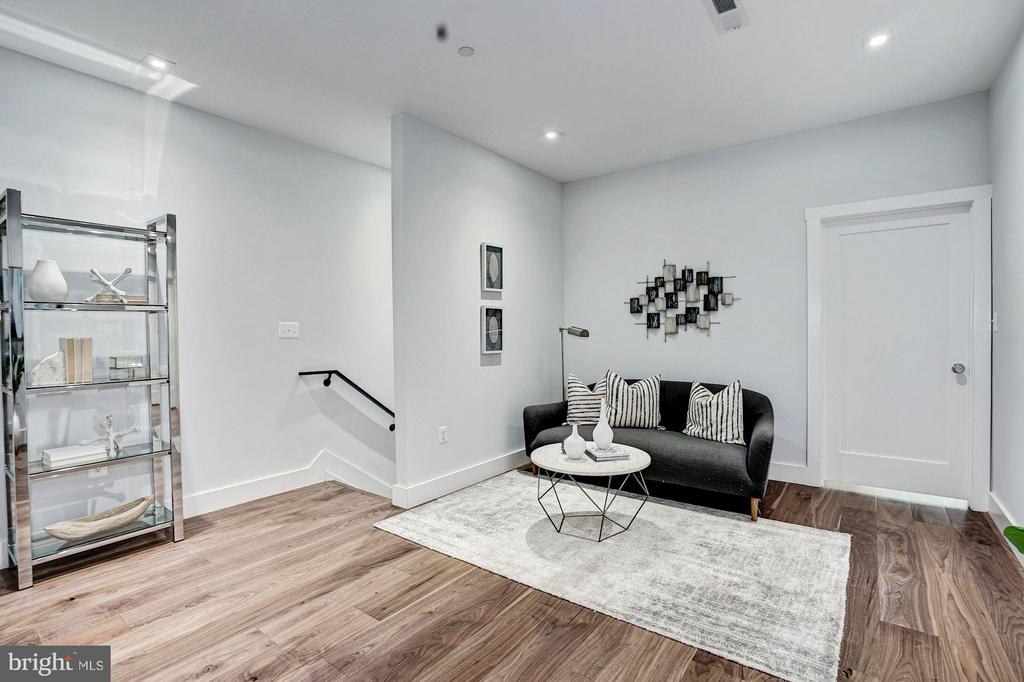 Family Room - 210 P ST NW #UNIT #3, WASHINGTON