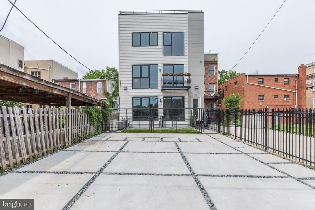Home Includes 1 Reserved Parking Space - 210 P ST NW #UNIT #3, WASHINGTON