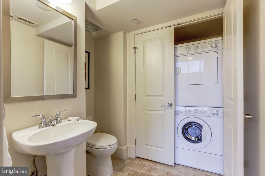 Half bath with full size W/D on main level - 1600 CLARENDON BLVD #W301, ARLINGTON