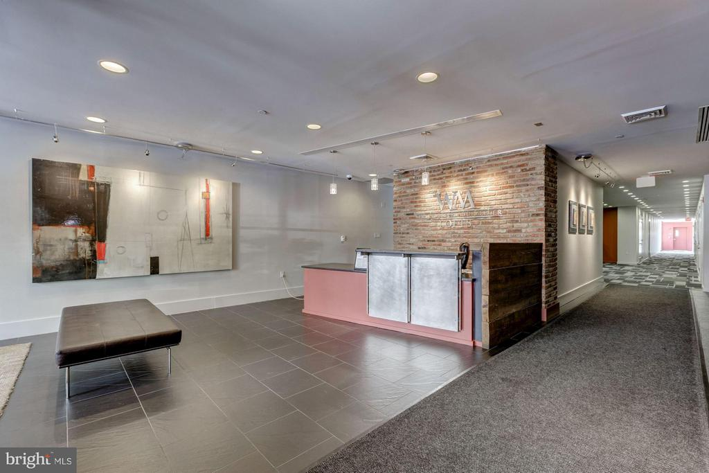 Modern lobby w/ staffed front desk to welcome you - 1600 CLARENDON BLVD #W301, ARLINGTON