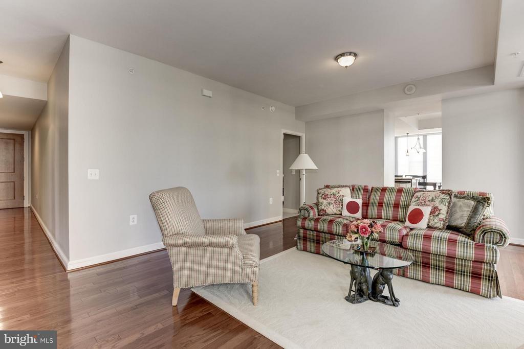 Living Room - 11990 MARKET ST #405, RESTON