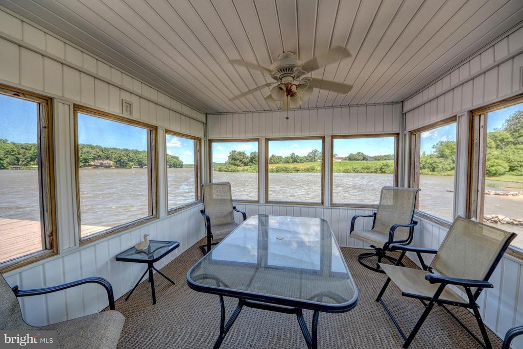 Boathouse Screened in Porch - 7480 DON RD, MINERAL