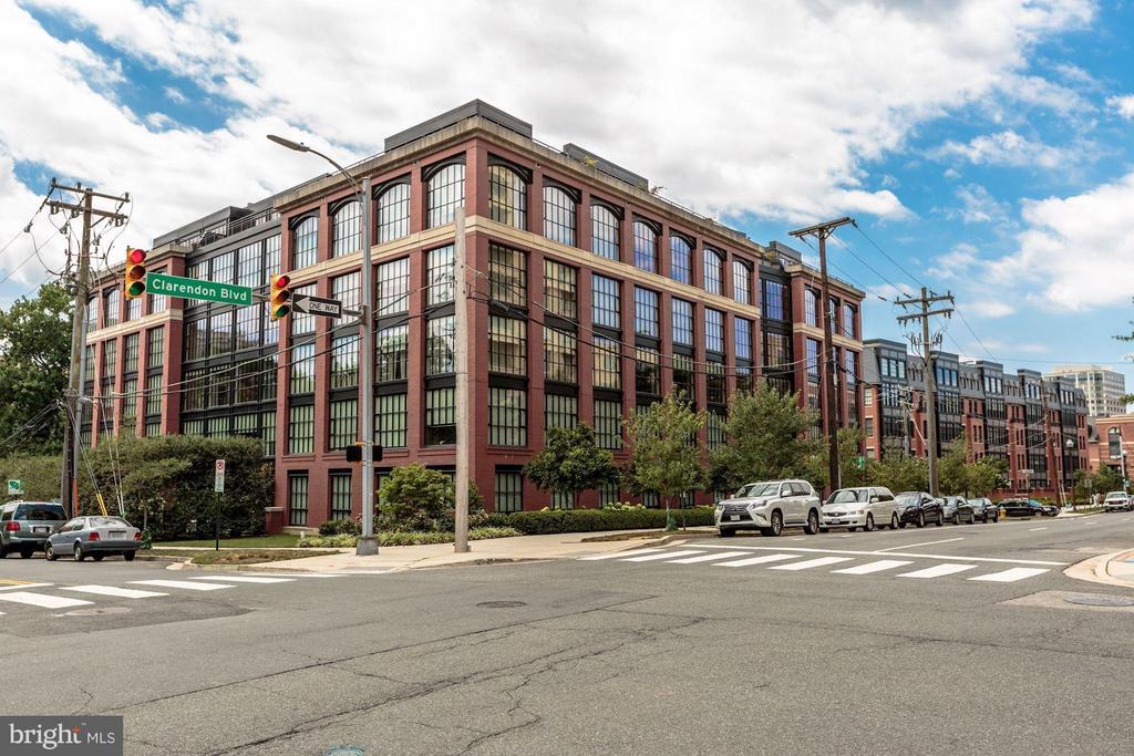 The prestigious Mercer Wooster Condominium Lofts - 1600 CLARENDON BLVD #W301, ARLINGTON