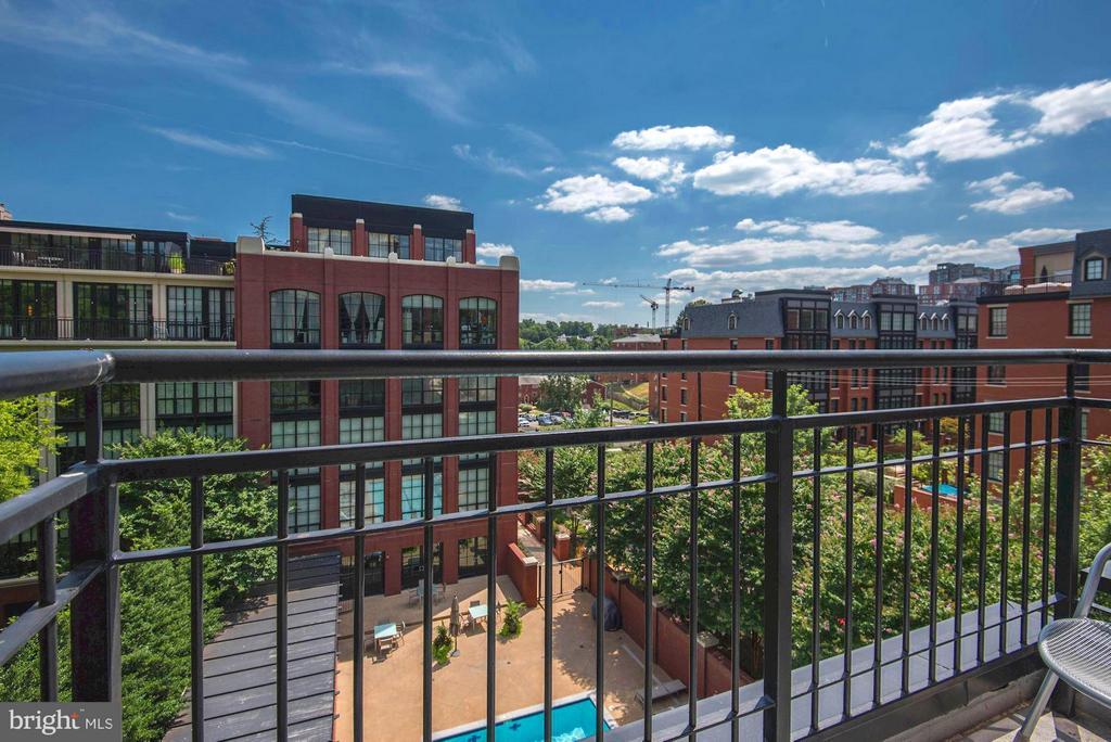 Urban Poolside view - 1600 CLARENDON BLVD #W301, ARLINGTON