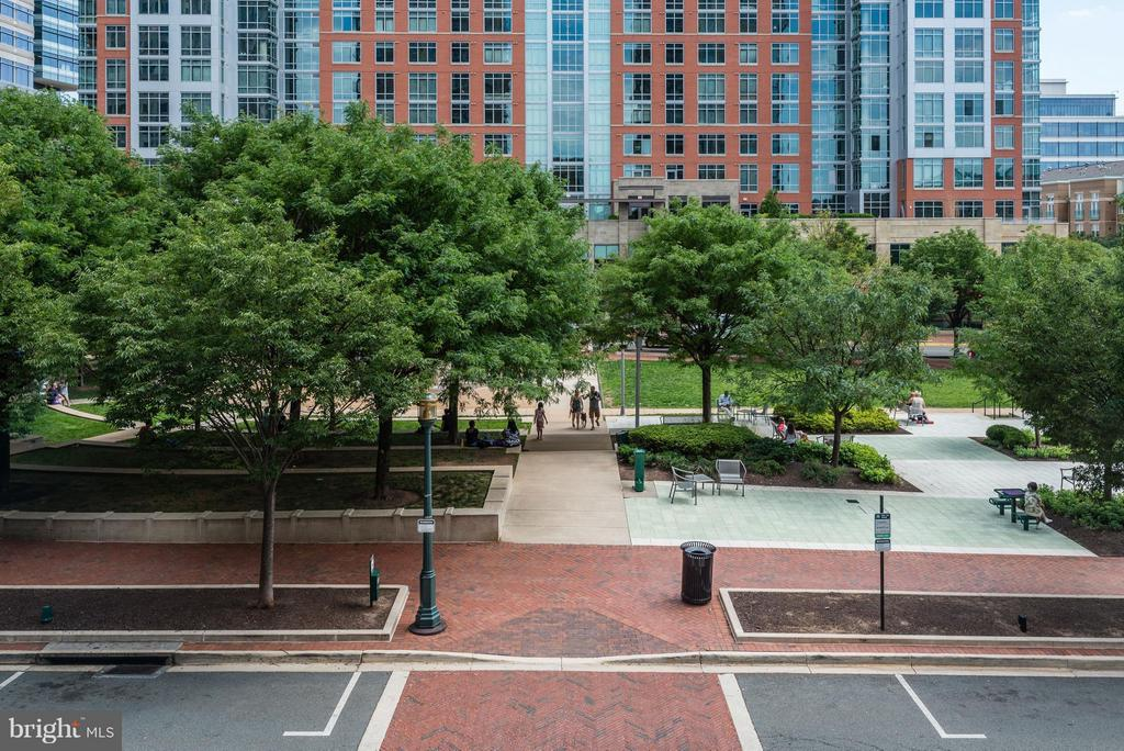 Town Center Park across the street - 11990 MARKET ST #405, RESTON