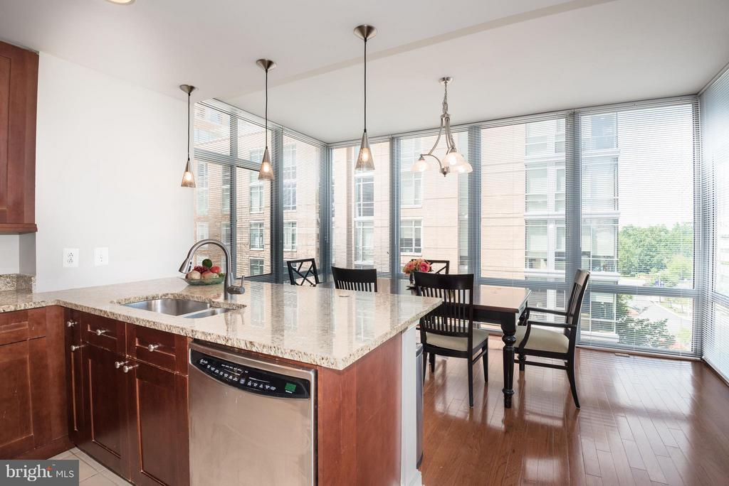 View of Sunroom with floor to ceiling windows - 11990 MARKET ST #405, RESTON