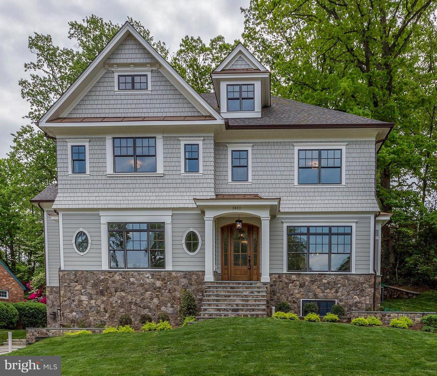 Single Family Home for Sale at 3411 Woodrow St N 3411 Woodrow St N Arlington, Virginia 22207 United States