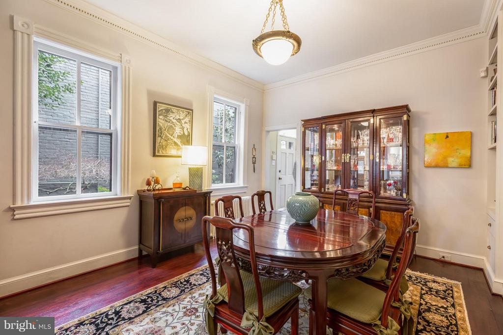 Dining Room with views of side garden - 218 ALFRED ST N, ALEXANDRIA