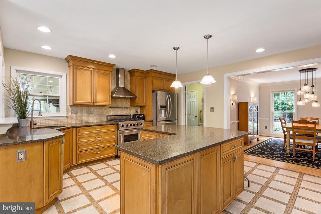 Kitchen - 10658 CANTERBERRY RD, FAIRFAX STATION